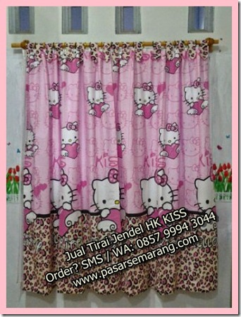 Jual Tirai Jendela Motif Hello Kitty Kiss, Jual Gorden Hello Kitty Online