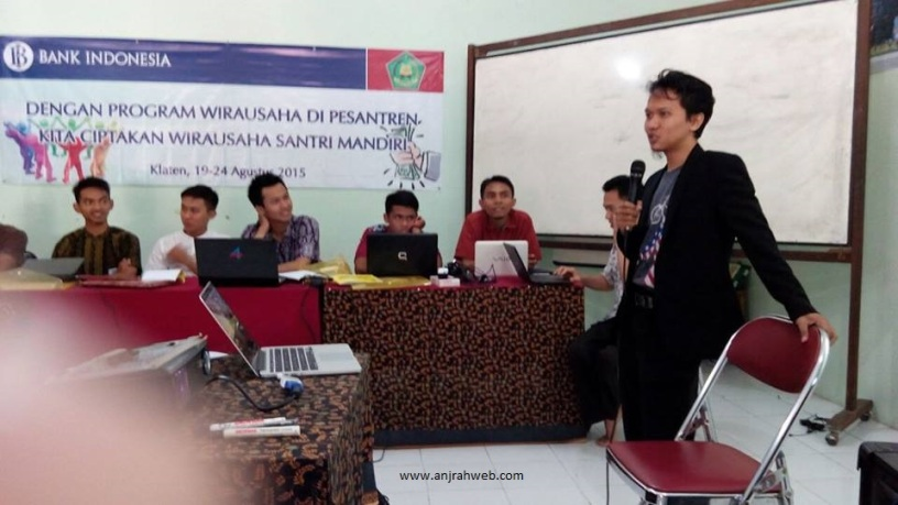 Pembicara Seminar Internet Marketing Pesantren